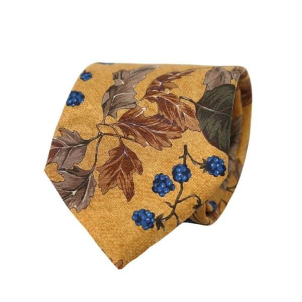 Amanda Christensen tie leaves golden