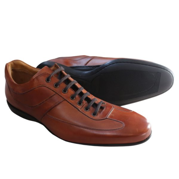 Calros Santos trainer brown side and sole