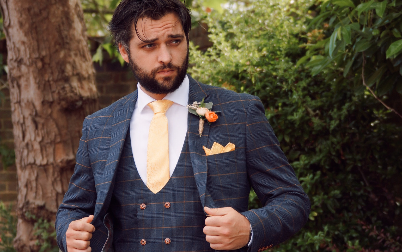 how to choose the right wedding suit main image